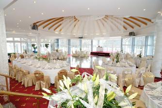 sal na svatebni hostinu