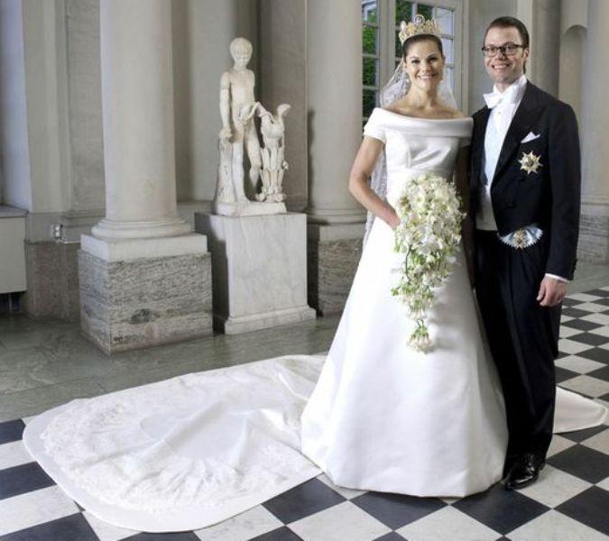 Kráľovské svadby - Princezná viktória zo švédska + Daniel Westling / 19. jún 2010 ... šaty: Pär Engsheden