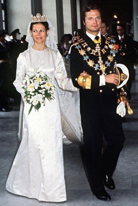 Kráľovské svadby - Kráľ carl gustav zo švédska + Silvia Sommerlath / 19. Jún 1976 ... šaty: Marc BOâNÉ pre Christian Dior