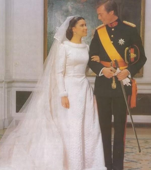 Kráľovské svadby - Princ henri z Luxemburska + Maria Teresa Mestre y Batista-Falla / 14.02.1981 ... šaty: Balmain