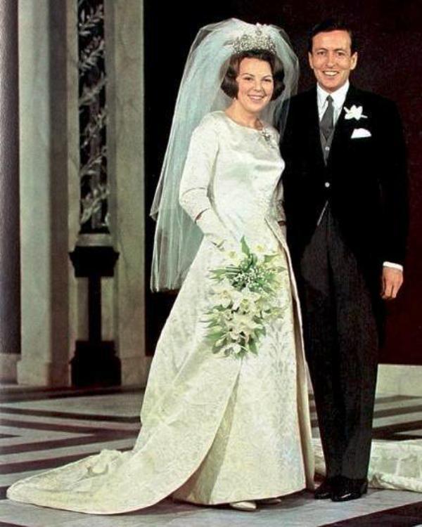 Kráľovské svadby - Princezná Beatrix z holandska + Claus von Amsberg / 10. Marec 1966 ... šaty: Caroline Bergé-Farwick pre Maison Linette