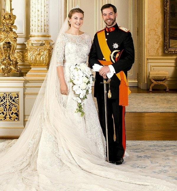Kráľovské svadby - Princ Guillaume z luxemburska + kontesa Stéphanie Marie Claudine Christine de Lannoy / 20. október 2012 ... šaty: elie saab