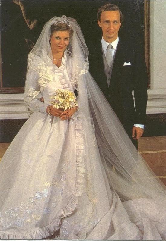 Kráľovské svadby - Princezná Marie Astrid z Luxemburska + arcivojvoda Carl Christian rakúsky / 6. Február 1982
