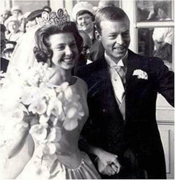 Kráľovské svadby - princezná Désirée zo švédska + Baron Nils August Silfverschiöld /  5. jún1964