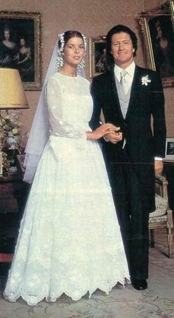 Kráľovské svadby - Princezná Caroline z monaka + Phillipe Junot wedding / 29. Jún 1978 ... šaty: Marc BOâNÉ pre Christian Dior