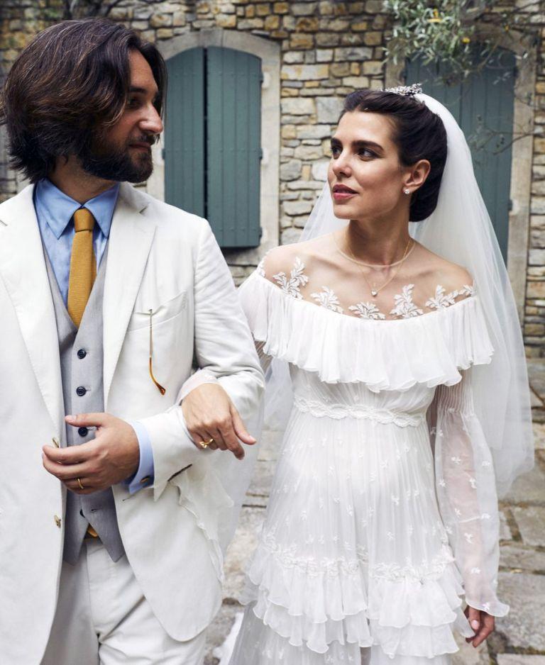 Kráľovské svadby - Carlota Casiraghi z monaka + Dimitri Rassam = CIRKEVNÝ SOBÁŠ