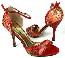 Topánočky budú určite nejaké krásne farebné :)