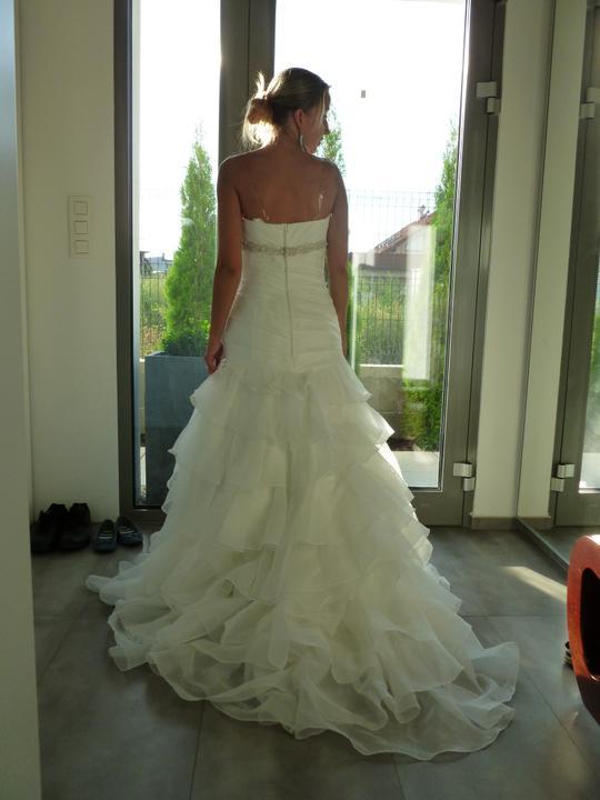 ....svadobné :-) ....ale ktoré? - .... a takto vzadu :-)