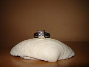 a môj zásnubný prstienok