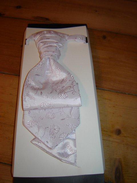 Moje prípravy - kravatka biela