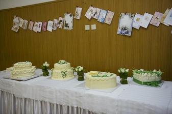 naše tortičky - všetky sa nám tam bohuzial nezmestili - bolo ich 10