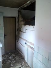 búranie steny na chate