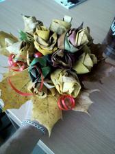 kytička z javorových listov...