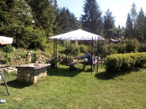 novy zahradny pavilon..proti dazdu, slnku