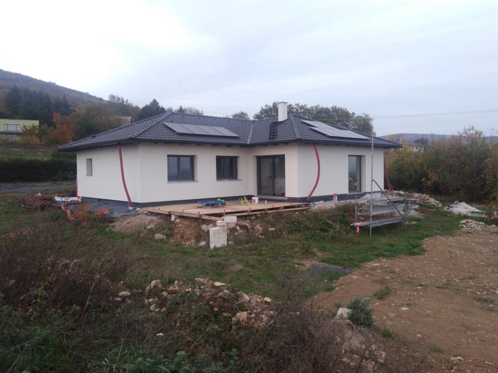 @codetyna @vladula_00 ještě chybí plno věcí, ale dům už má barvu :) - Obrázek č. 1