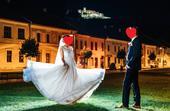Svadobné šaty - vlečka a odhalený chrbát, 34
