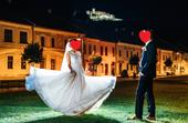 Svadobné šaty - vlečka a odhalený chrbát, 36