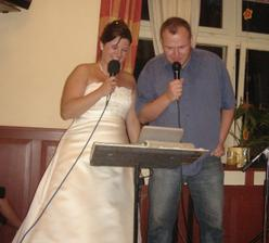 Kde jsi včera byl a s kým?... ženich trochu zaskočil nevěstu :))