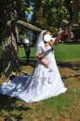 Predavam svadobne saty, 50