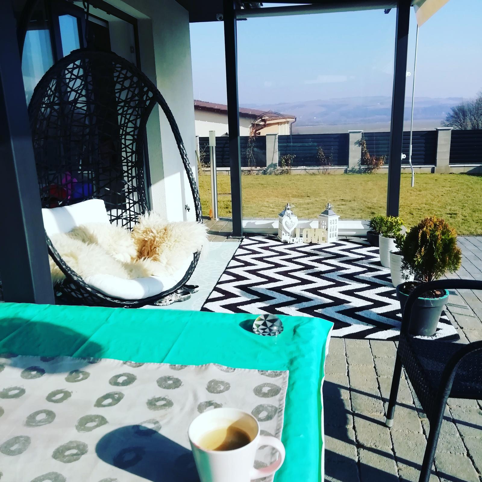 Záhradka 2019/20 bývame 4 a 5 rok :-) - Sezóna zahájená prvá kávička na terase ☀️☕👍 konečne 8.2.2019