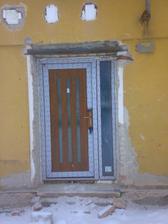 naše nové vchodove dveře :-)))