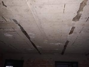 strop v pivnici