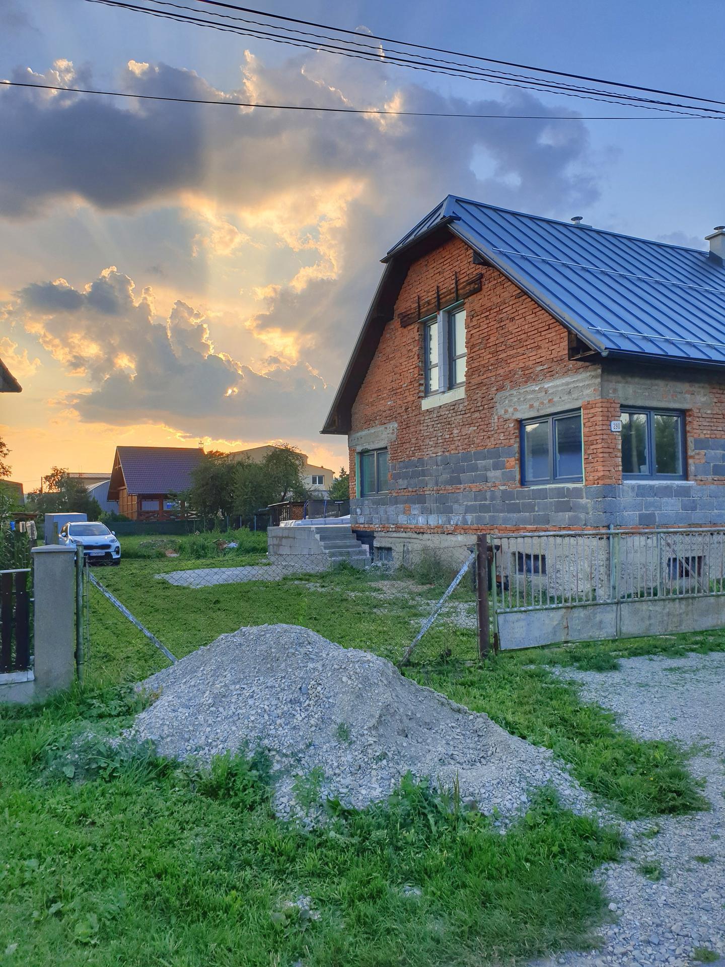 Rekonštrukcia domu-alebo chceme si splniť sen =》🏠🌻🌼🐶  mat domcek a vratit sa na Slovensko - Obrázok č. 458