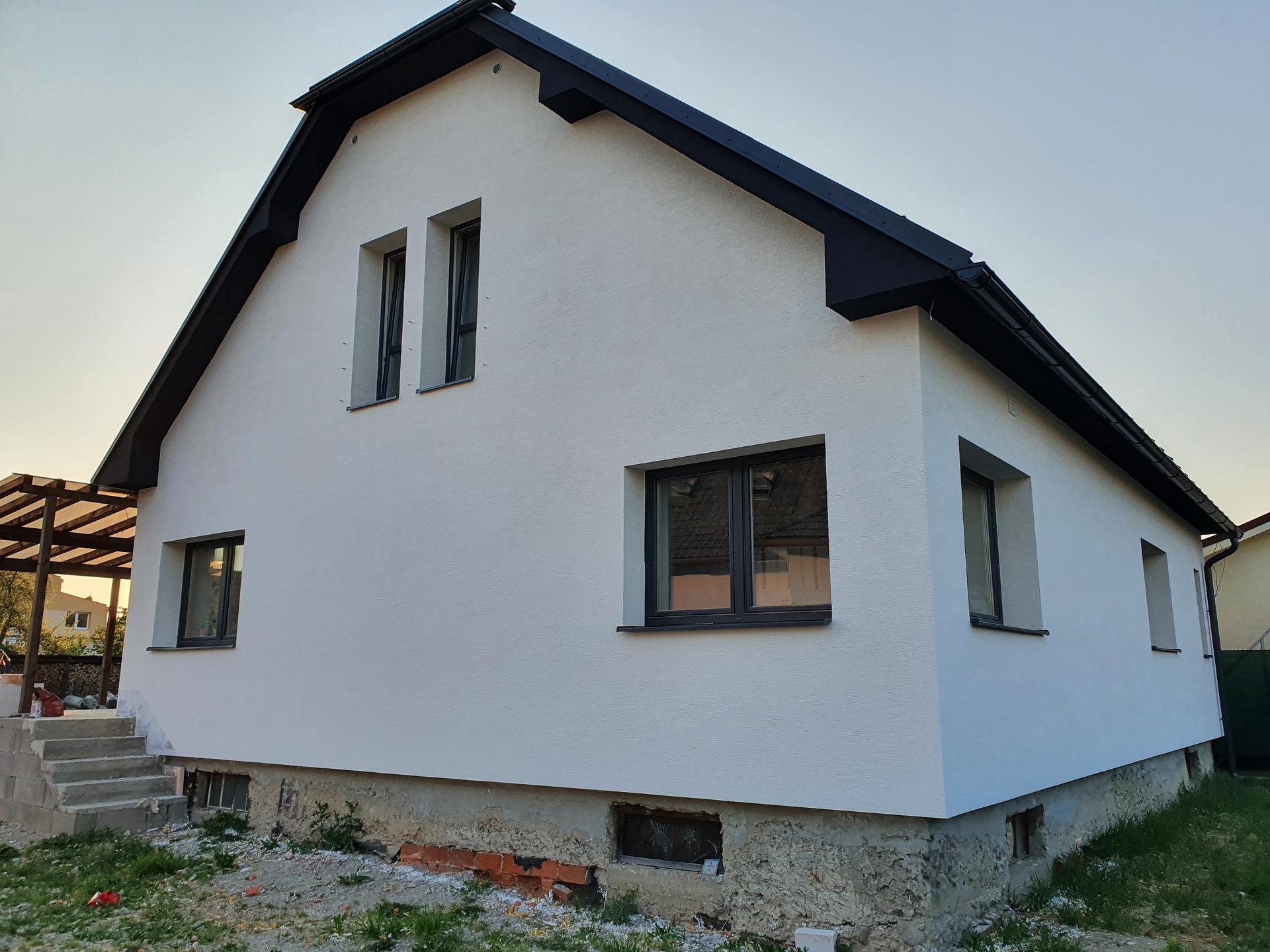 Rekonštrukcia domu-alebo chceme si splniť sen =》🏠🌻🌼🐶  mat domcek a vratit sa na Slovensko - Obrázok č. 774
