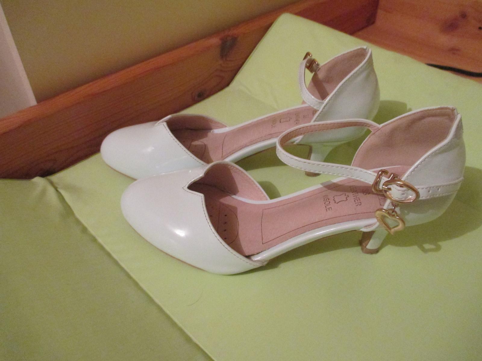 Pohodlné svadobné topánky - Obrázok č. 2