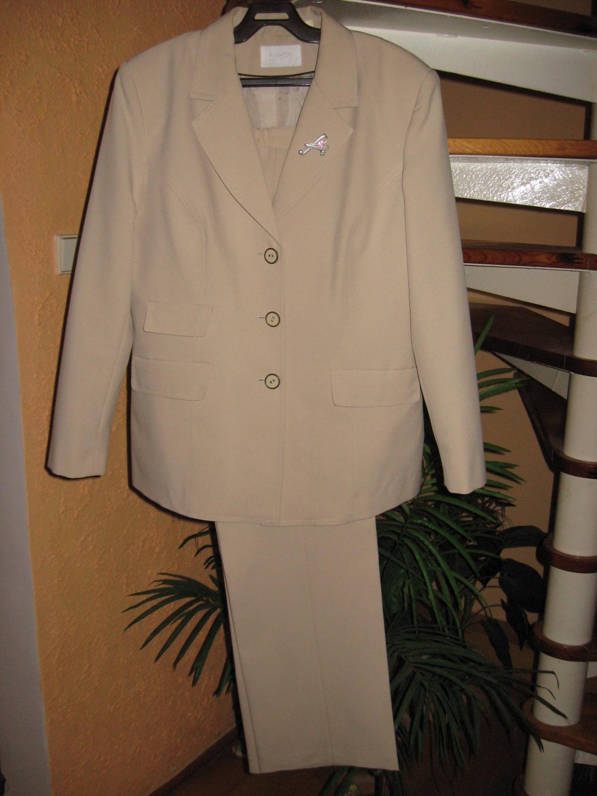 Dámsky kostym - Obrázok č. 1