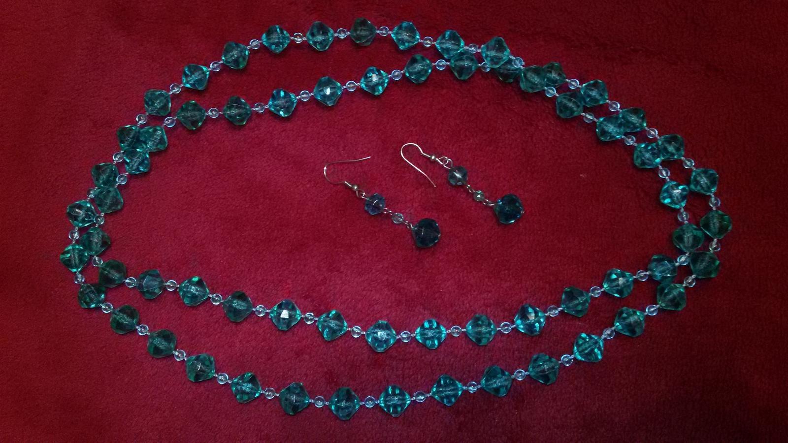 Korálkovy náhrdelník a nausnice - Obrázok č. 3