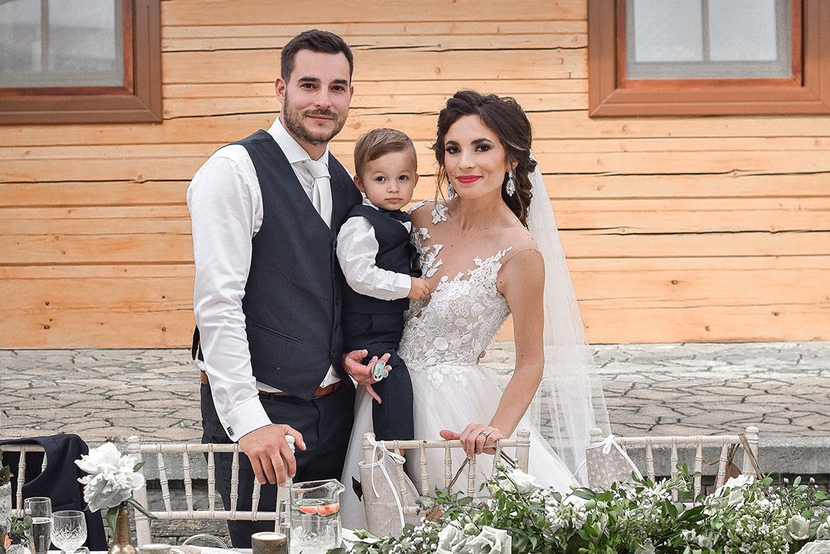 Chlapčenský slávnostný/svadobný oblek (2 roky) na predaj - Obrázok č. 1