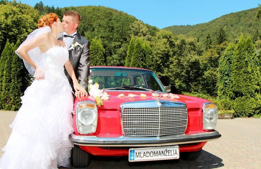Naše svadobné auto - Mercedes Benz W115 - Obrázok č. 2