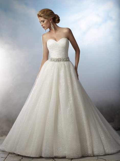 Svadobné šaty :) - Obrázok č. 6