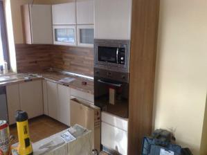 kuchyna bez kluciek a chladnicky