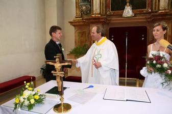 ženich a pan farář