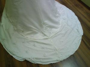 šaty zo zadu detail