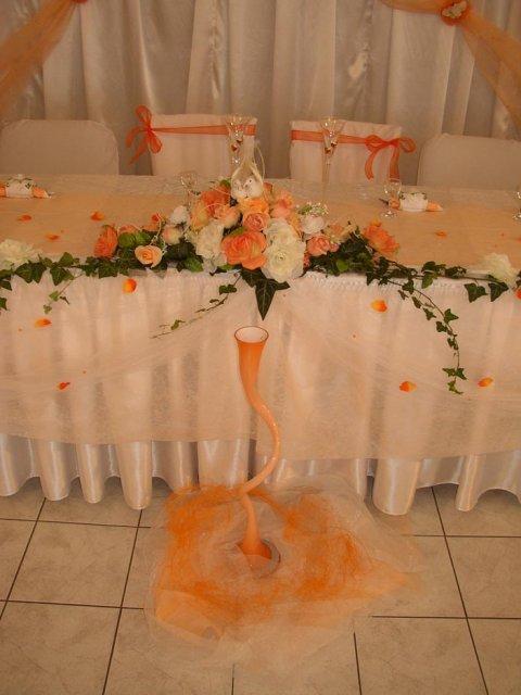 24. apríl 2010 - Takéto niečo by som chcela mať na hlavnom stole alebo aj v bordovej, červenej a olivovej..