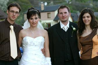 ja s mojim manželom bratom a jeho priatelkou katkou