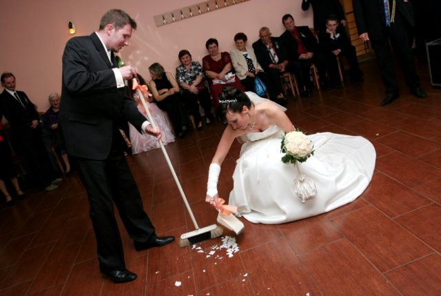 Prvomanželské zametanie