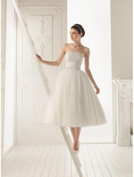 Krátke svadobne šaty - - Svadobné šaty 5c7494afcbd