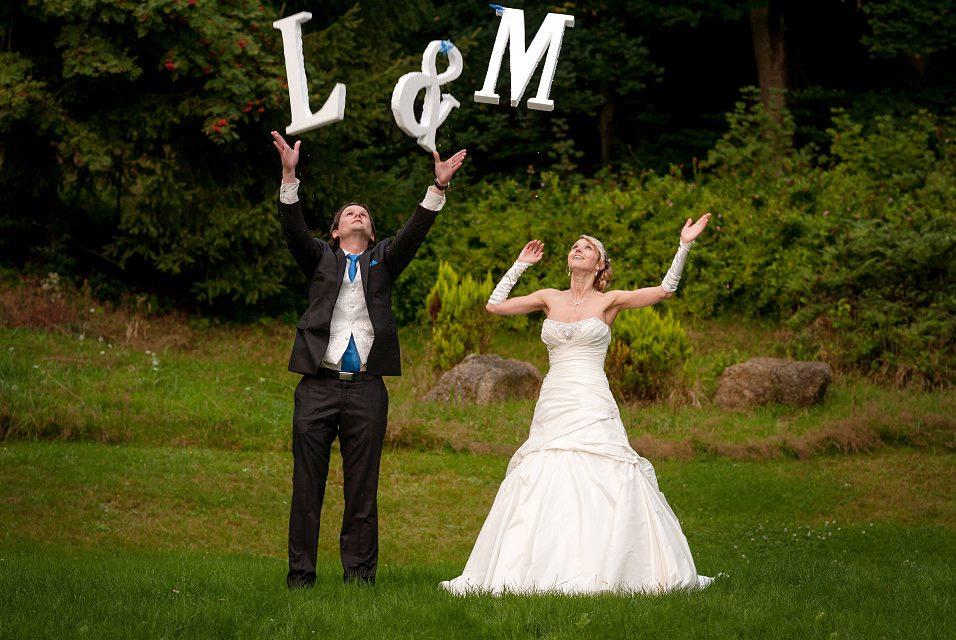 Lili{{_AND_}}Martin - Naše iniciály = Reklama na cigára...