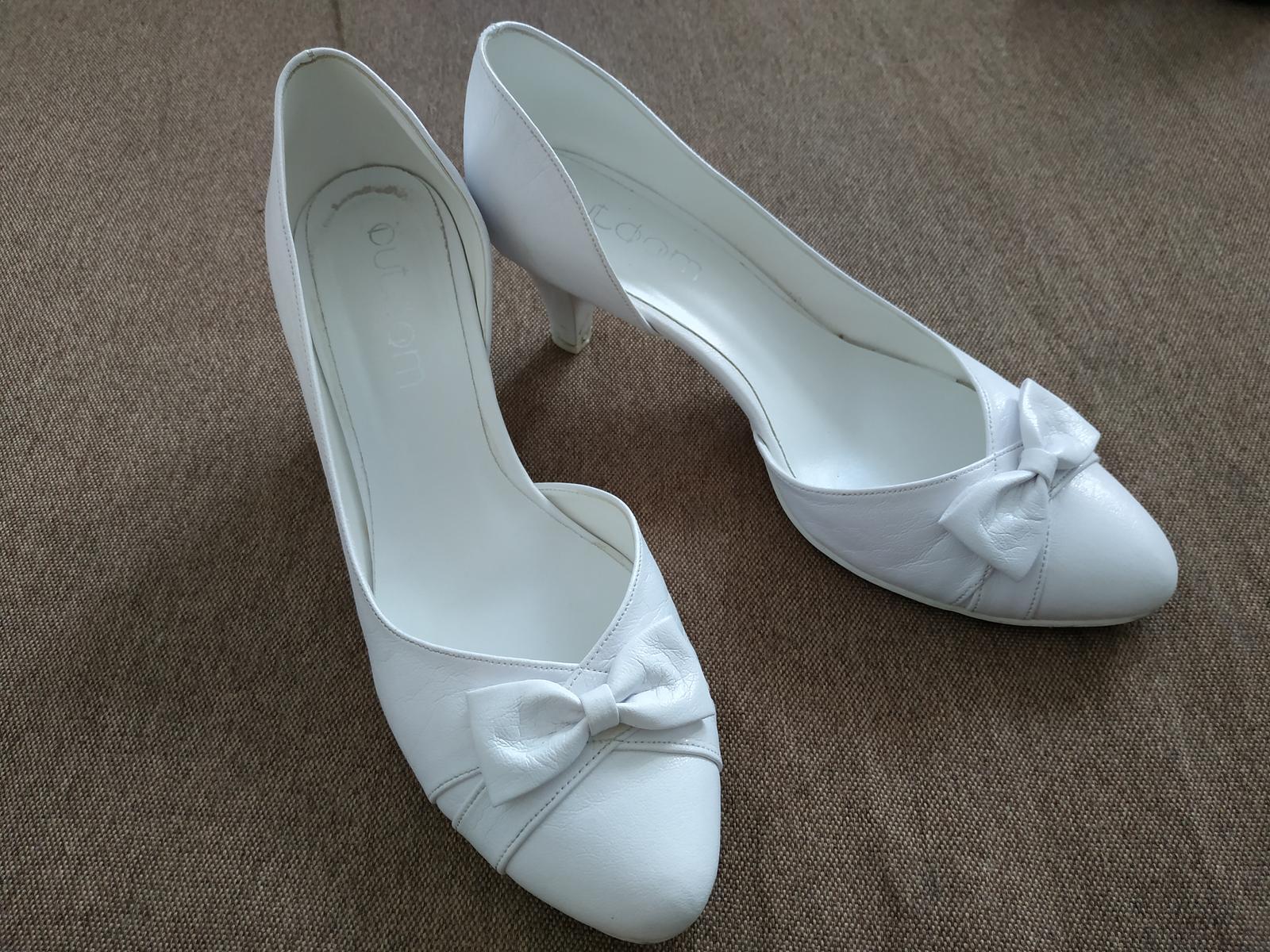Svadobné biele topanky - Obrázok č. 1