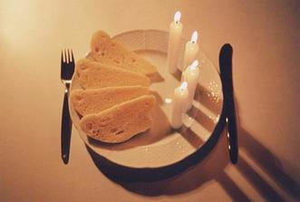 Svíčkovás knedlíkem na svatební hostinu :-) My budeme mít asi něco lehčího než omajdu :-)
