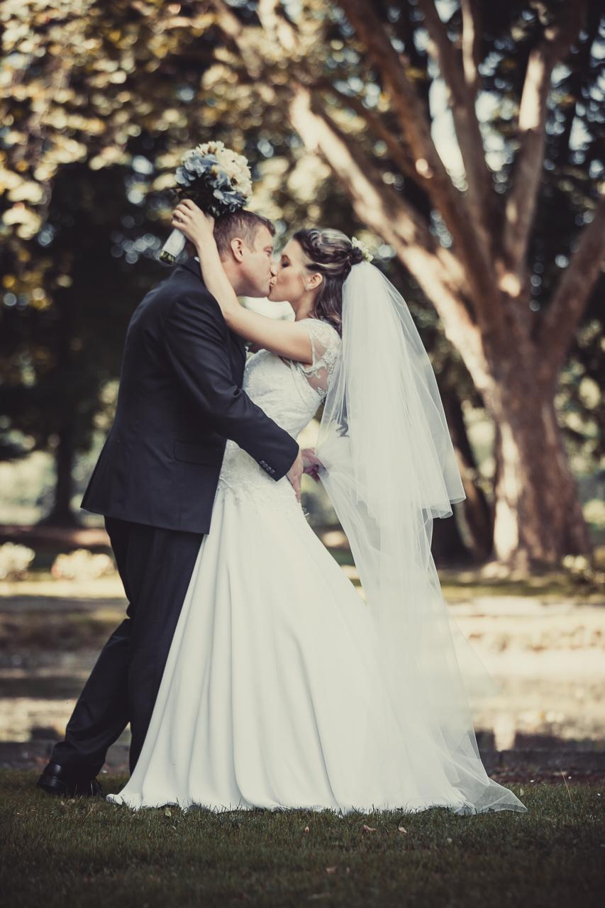 Krajkové svatební šaty šité na míru - Obrázek č. 4