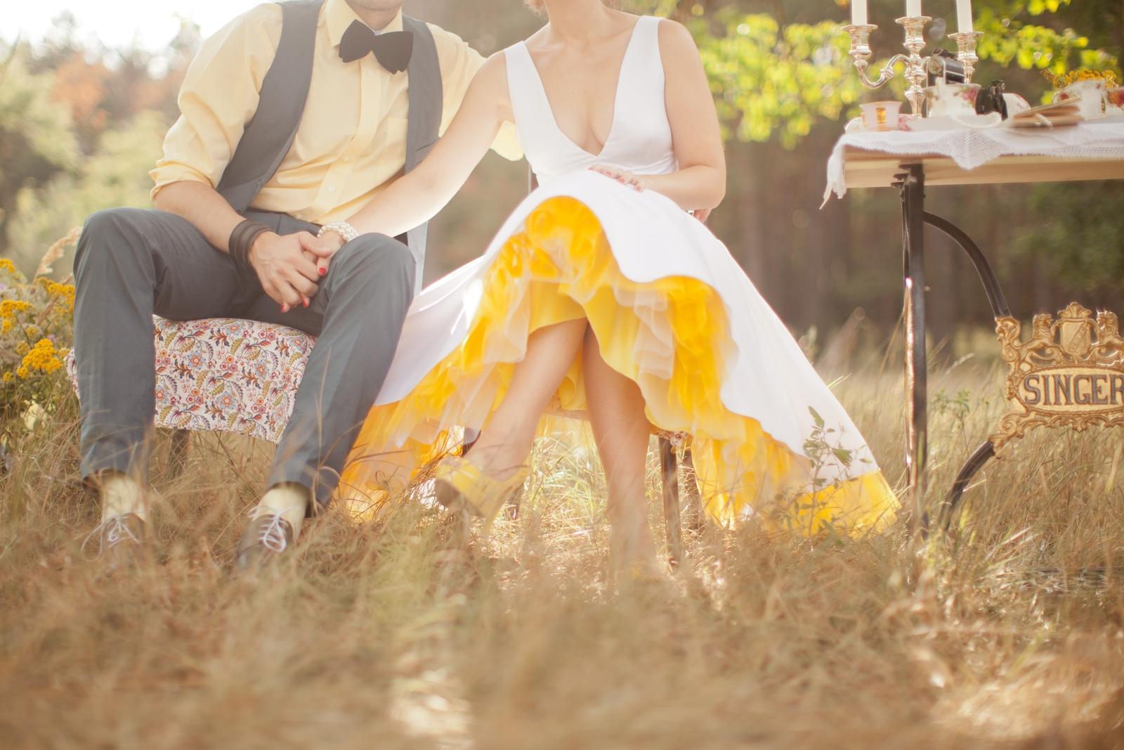 peter_a_lucia - Chcete rovnako vyraziť dych ľuďom, keď Vám bude spod sukne vykúkať tak krásna farebná spodnica?