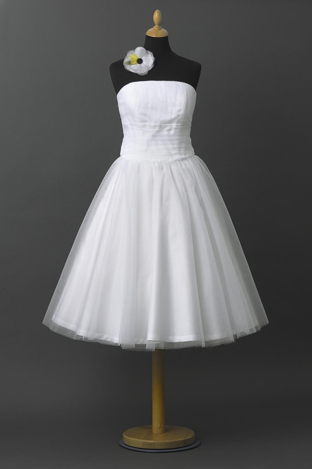 Krátke svadobné šaty - šijeme na mieru - Obrázok č. 1