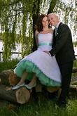 Mentolová spodnica pod krátke svadobné šaty