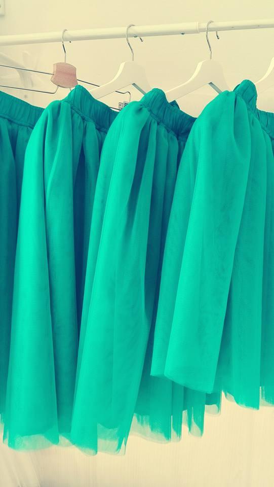 peter_a_lucia - Smaragdové tylové sukničky