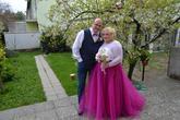 Svadobné šaty v kombinácii dlhej tlovej Lo-OK sukne a čipkovaného bolerka